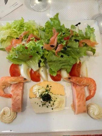 Saint-Fons, Франция: L'assiette saumon un vrai délice frais