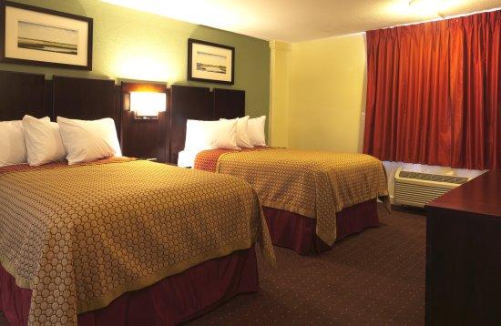Chalmette, LA: Double Apartment Suite - NonSmoking