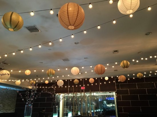 Le Viet: Magical ceiling lighting