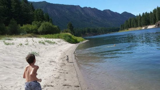 Thompson Falls, MT: Great Beach at the Motel Property
