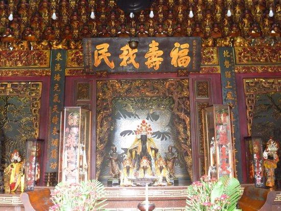 Yaowang Temple: 堂内の様子