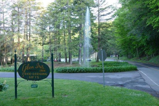 Glen Iris Inn entrance