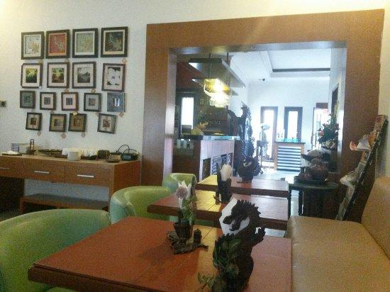 Adya Nalendra Boutique Hotel: 20160618_072757_large.jpg