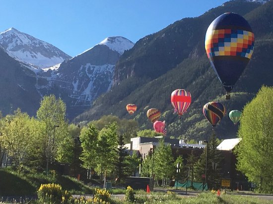 ‪فيرمونت هيرتدج بلاس فرانز كلامر لودج: Hot Air Balloon Festival in Telluride‬