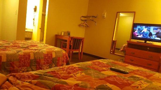 Motel 6 Livingston TX: TA_IMG_20160617_205055_large.jpg