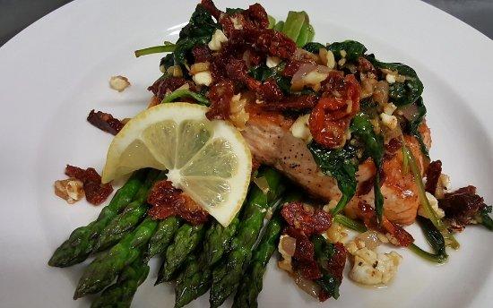 Longshore Restaurant: salmon