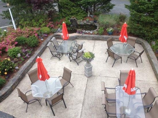 Longshore Restaurant: patio