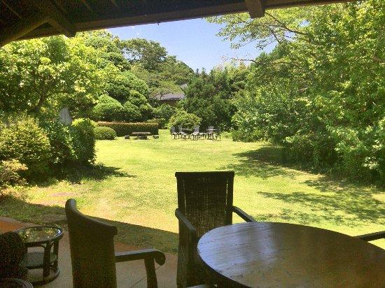 Shirako-machi, Japon : オシャレな店内と、綺麗な庭園