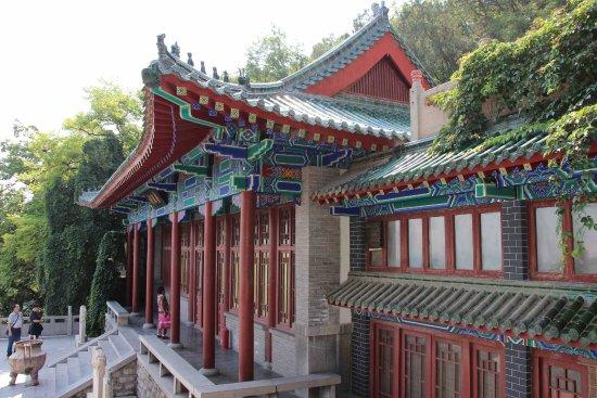 Thousand-buddha Cliff Statues