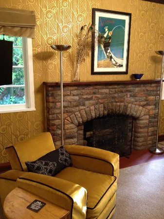 Fernhill, New Zealand: Lounge area. Great attention to detail and comfort.