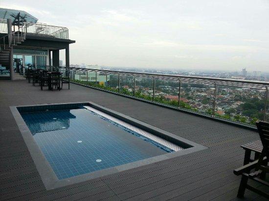 Holiday Villa Johor Bahru Review