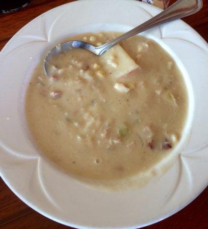 Sunnyside Restaurant and Lodge: Crab & corn chowder.