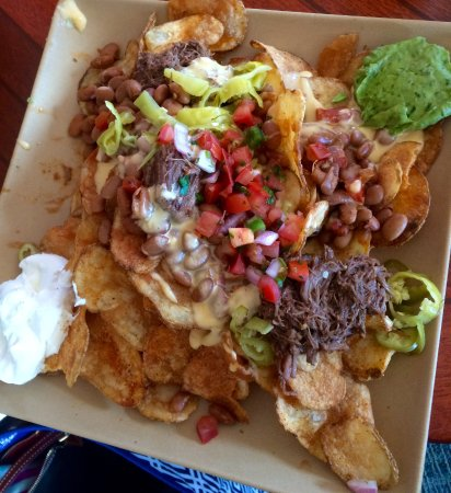 Sunnyside Restaurant and Lodge: Short rib nachos with kettle chips.