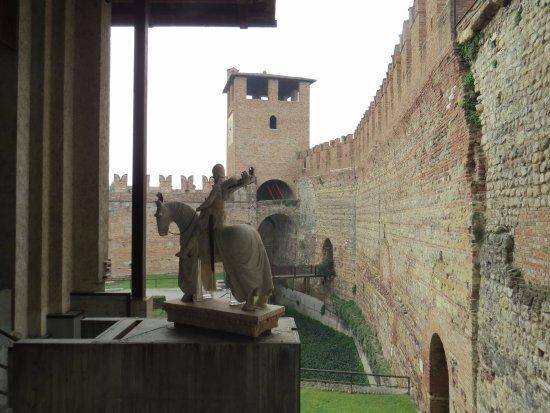 Museo Di Castelvecchio.Museo Di Castelvecchio Izobrazhenie Gorodskoj Muzej Kastelvekkio