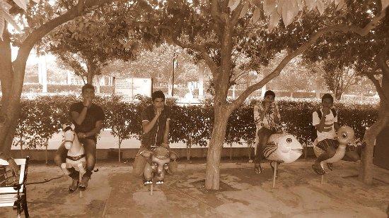 Wonderland Theme Park: enjoyed a lot with my friends . grate advanture