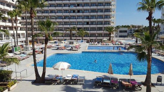 Sol Alcudia Center Apartamentos: 20160606_094645_large.jpg