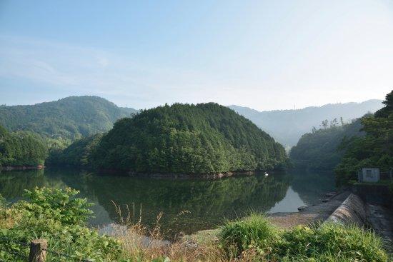 Showa Pond