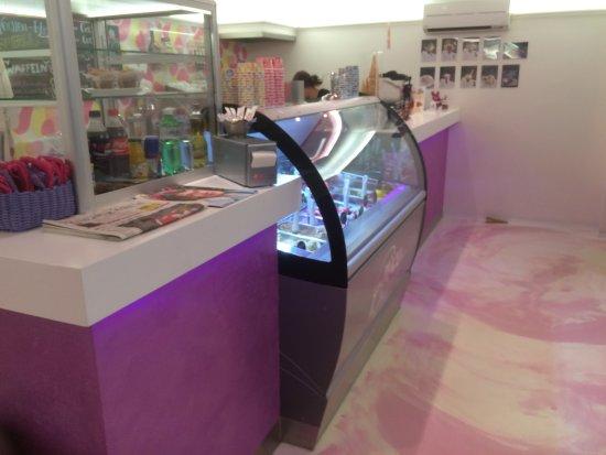 Nice Cream Ice & Cafe : schön gestaltete Gelateria!