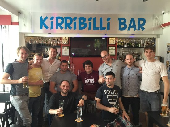 Kirribilli Guest House: The Kirribilli bar, where it all... goes down