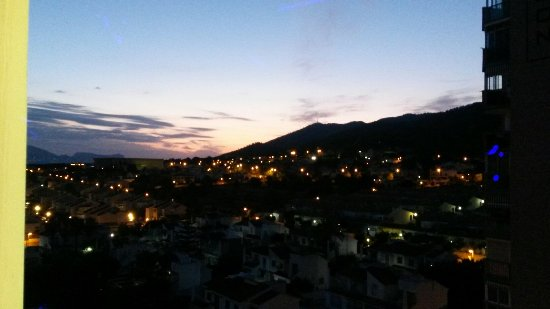 MedPlaya Hotel Regente: View from 8th floor balcony. .sunrise