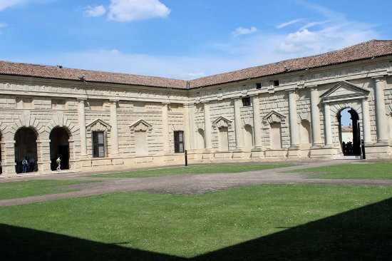 Giardini di palazzo te picture of palazzo te mantua tripadvisor - I giardini di palazzo rucellai ...