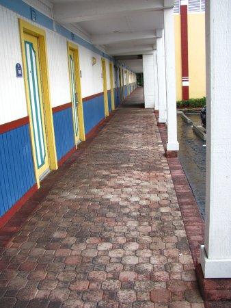 Magnuson Hotel Marina Cove Photo