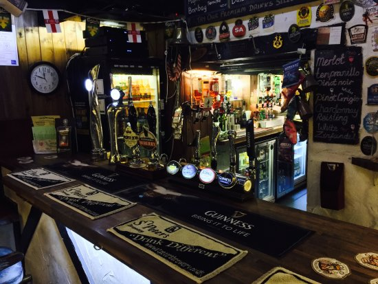 The Willow House: The Bar!