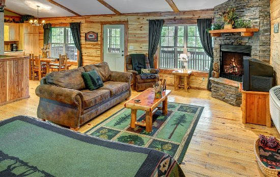 Lake Forest Luxury Log Cabins: Wilderness Cabin