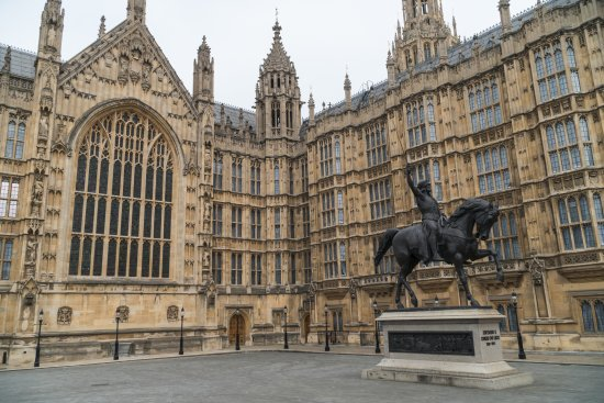 how to get to houses of parliament