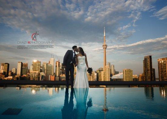 Thompson Toronto - A Thompson Hotel: Infinity Kiss on top of Thompson Hotel