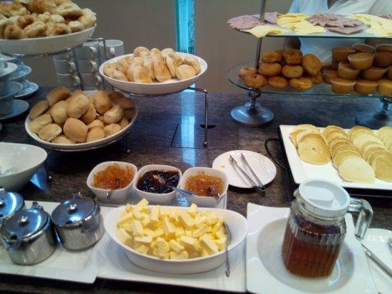 Cafe Breeze Buffet Menu