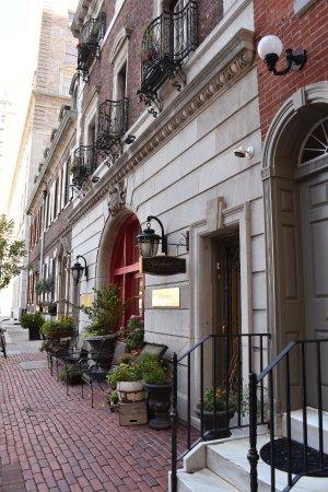 Rittenhouse 1715, A Boutique Hotel: Quiet street off Rittenhouse