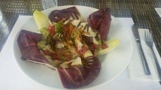 Poseidon Hotel - Suites: Summer salad