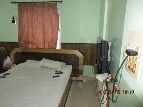 Yatrik Hotel