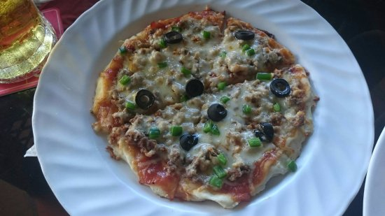 Khmeroyal Hotel : Small pizza