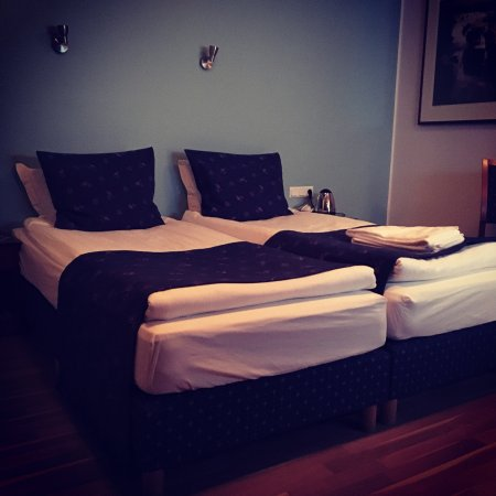 CenterHotel Plaza: Best location, small but cozy place to stay