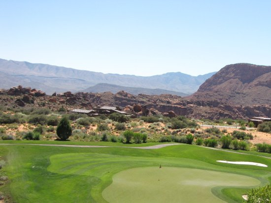 The Ledges Golf Club in St. George : Hole on back nine.