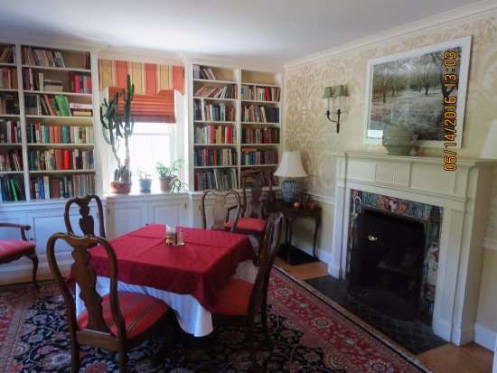 Woodstock, CT: private dining room