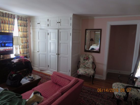 Woodstock, CT: more of our room's sitting area