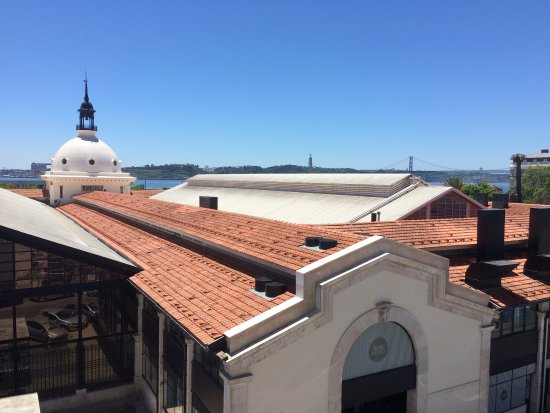 Ribeira Tejo by Shiadu: It was a very nice stay with a magnificient view of Lisbon. It was a authentic cosy hotel, the s
