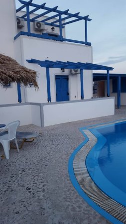 Youth Hostel Anna : Our private room was the one with the blue door overlooking the pool area!
