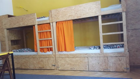 Home Plus Hostel : Room with 8 beds