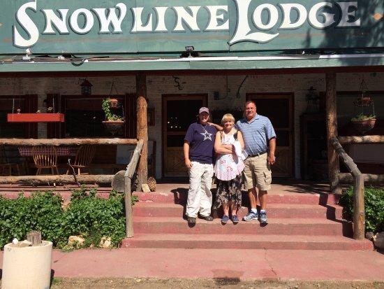 Dunlap, CA: Snowline Lodge
