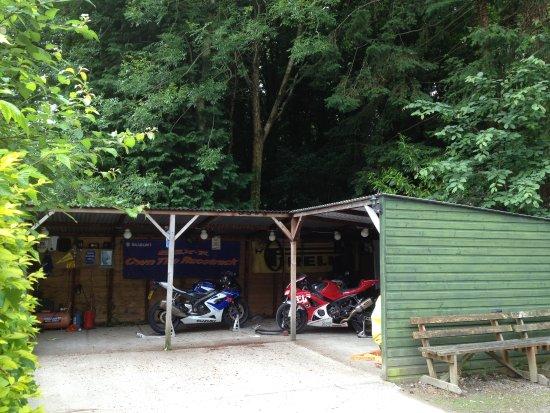 Bikers Retreat : Bike shed