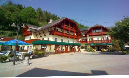 Mollbrucke, Østerrike: Beautiful hotel with large rooms and less price