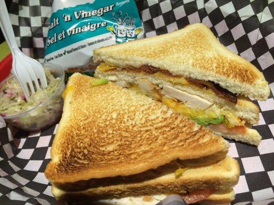 Squish Sandwich Cellar : Triple Decker, chicken, bacon, cheese, tomato and avocado