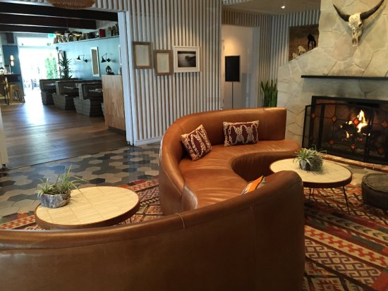Goleta, Californien: inviting lobby of Goodland
