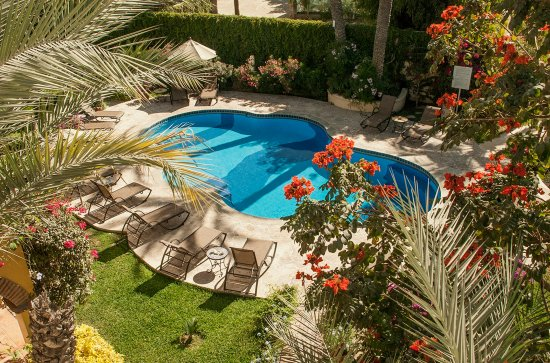 El Encanto Inn & Suites Boutique Hotel: Pool View