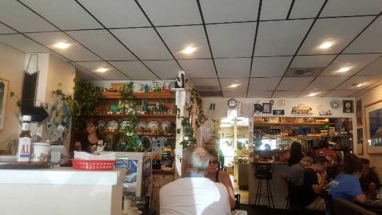 Dot's Diner on the Mountain: Adorable