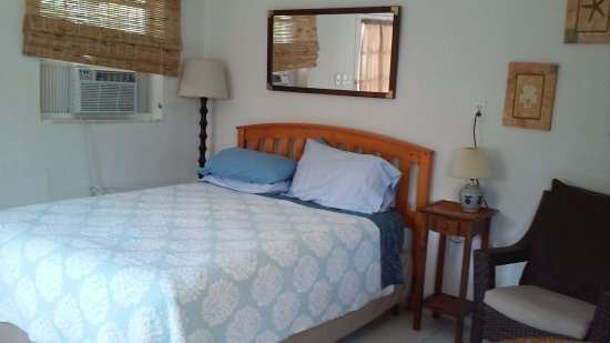 Sea View Resort Motel: Queen bed